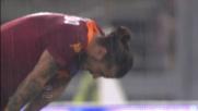 Colpo di testa di poco fuori per Osvaldo nel derby di Roma