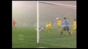 Manninger respinge l'acrobazia di Muntari in Udinese-Siena