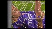 Comotto lascia in dieci la Fiorentina parando sulla linea un tiro di Floro Flores