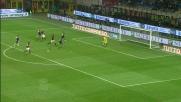 Il primo goal della doppietta di Robinho porta a tre il vantaggio del Milan sul Parma