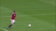 Un palo clamoroso per Maxi Lopez contro la Fiorentina