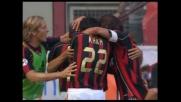 Corner di Seedorf, testa di Oliveira: è il goal del raddoppio del Milan