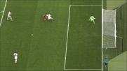 Bruno Alves trattiene in area Icardi e concede un calcio di rigore all'Inter