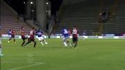 Gabbiadini realizza il goal dell'1-1 a Cagliari sfruttando la papera di Agazzi