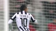 Tevez spietato in area di rigore segna la rete del raddoppio contro l'Hellas