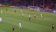Felipe Melo scalcia di slancio Laxalt ma l'arbitro lascia proseguire per la regola del vantaggio