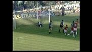 Zenga si oppone ad un colpo di testa di Van Basten