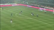 Ronaldinho fa paura all'Inter, destro fuori di nulla nel derby