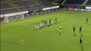 Il goal del 2-0 del Cagliari sul Siena arriva con una bella punizione di Nené