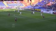 In Genoa - Cagliari Niang smarca il compagno con un colpo di tacco