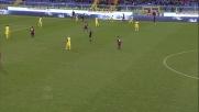 Un tackle da rosso per Andreolli in Genoa-Chievo