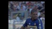 Forza, tecnica e precisione: Adriano tiene in corsa il Parma contro la Lazio