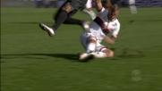 Che duello a metà campo, Rigoni in tackle su Konko