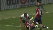 Burdisso agguanta la sfera e ferma l'azione offensiva del Cesena