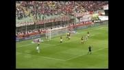 Martinez di testa va in goal contro il Milan