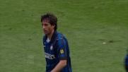 Milito segna il goal del momentaneo 2 a 0 dell'Inter contro il Genoa