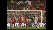 Doni toglie il pallone da sotto la traversa: gran parata su Cribari nel derby di Roma