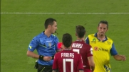 Murru colpisce con un calcio nello stomaco Izco: Cagliari in 10