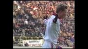 Tomasson beffa Pagliuca con un pallonetto