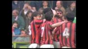 Gran diagonale di Gullit per il goal del Milan nel derby con l'Inter
