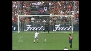 Tavano non fallisce il calcio di rigore che porta avanti il Livorno a Genova