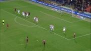 Traversa di Veloso su punizione in Genoa-Bologna