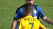 Tackle duro ed espulsione per Jankovic a centrocampo: Verona in 10 uomini a Bergamo