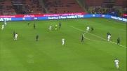 Handanovic guarda il tiro di Lazaros rimbalzare tra la traversa e la linea