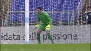 Berisha intercetta il rigore di Paloschi e devia in corner