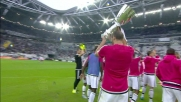 Il capitano Buffon esibisce la Supercoppa Italiana allo Juventus Stadium