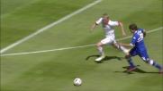 In scivolata Glik arpiona il pallone a Laczko