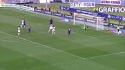 Borja Valero tira al volo ma non inquadra la porta del Genoa