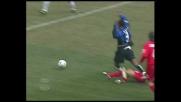 Kallon steso in area, rigore per l'Inter