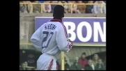 Seedorf si libera di due avversari del Bologna