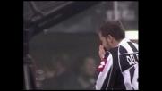 L'attacco di Del Piero viene ostacolato da Laursen