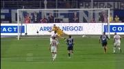 Pazzini realizza il calcio di rigore in Atalanta-Milan