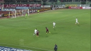Doppio passo di Paulinho su Zapata che lo atterra in Livorno-Milan