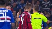 Mesbah colpisce il pallone con la mano in area regalando un rigore al Milan