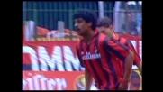 Rijkaard prova la conclusione dalla distanza nel derby di Milano