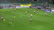 Goldaniga stoppa il pallone con un braccio e regala il rigore al Milan