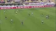 Agliardi disinnesca il tiro potente di Kucka in Bologna-Genoa