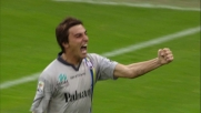 Sul campo di Marassi Bentivoglio segna il goal al Genoa con l'aiuto della traversa