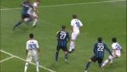 Gaetano Berardi sbilancia Eto'o in area, rigore per l'Inter contro il Brescia