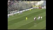 Acquafresca non sbaglia dal dischetto: è il goal del raddoppio per il Cagliari
