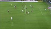 Matri apre il gioco e serve di tacco Balotelli nell'area del Torino