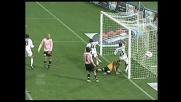 Bega segna in acrobazia il goal del pareggio del Cagliari contro il Palermo