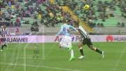 Domizzi strattona Klose in maniera evidente: l'arbitro assegna il rigore alla Lazio