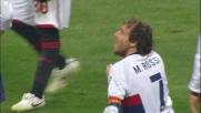 Ronaldinho viene 'placcato' in area da Rossi: rigore per il Milan