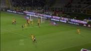 Gomez colpisce la palla col braccio: è rigore per il Torino