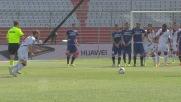 Paulinho segna su punizione il goal della doppietta personale contro l'Udinese